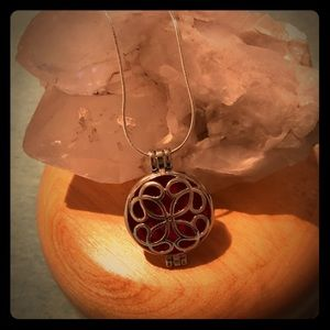 Jewelry - Celtic knot aroma diffuser necklace